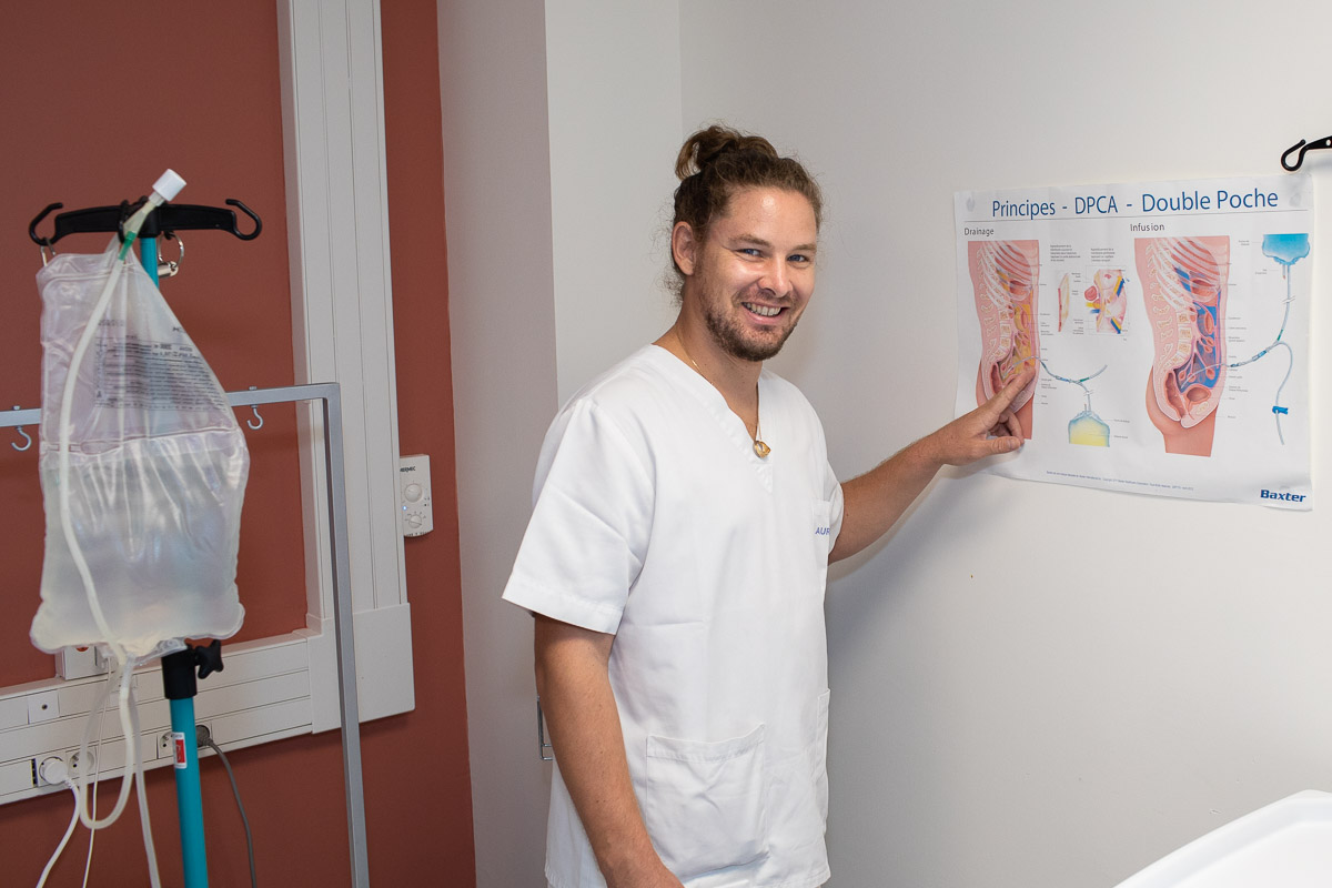 Romain Gerbron, infirmier de l'équipe Nord de dialyse péritonéale